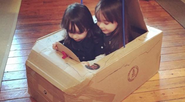 Diy La Voiture En Carton Ou Comment Recycler Un Colis De Noël