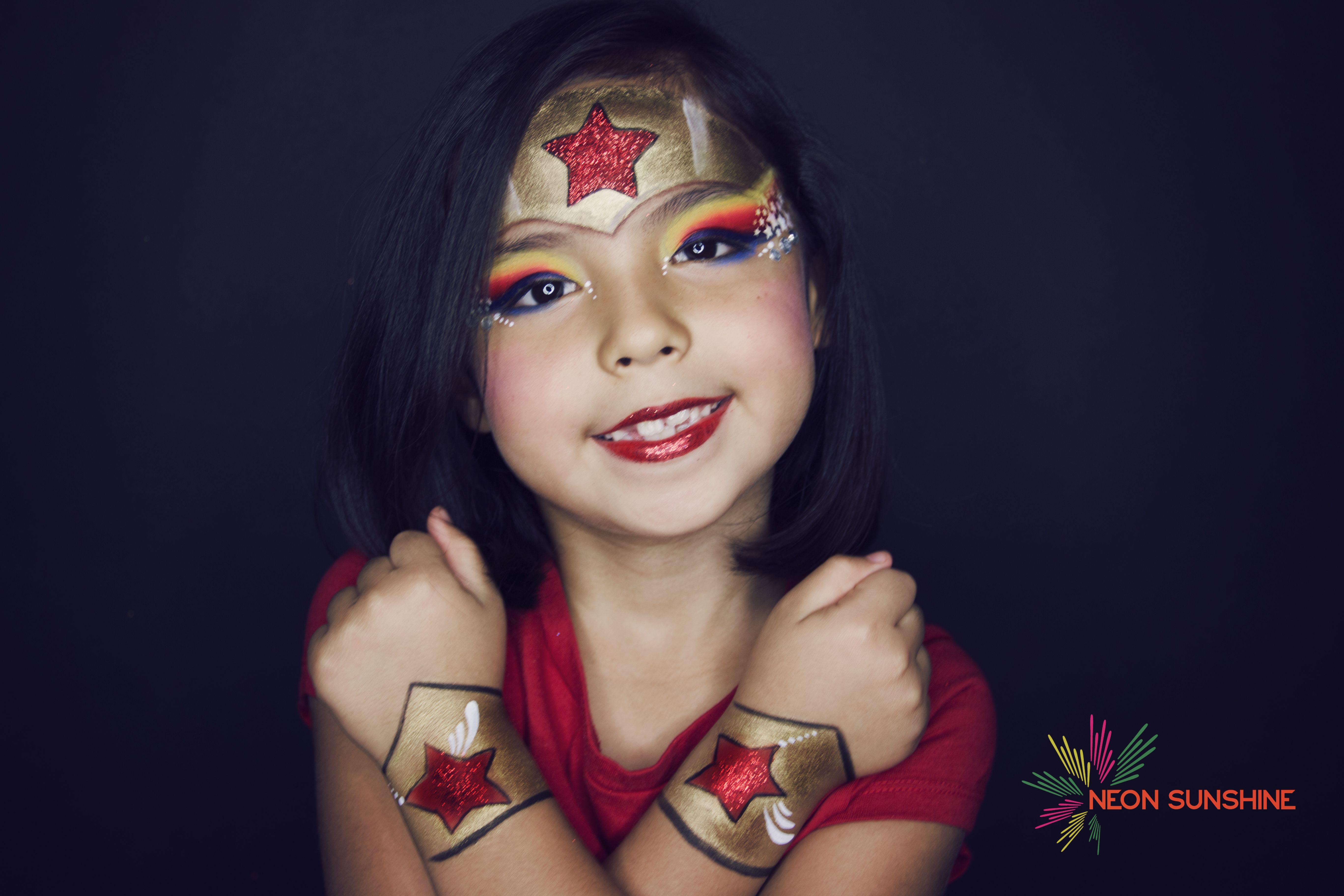 Woman Face Painting Gaby Renteria In 2019 Kids Makeup Superhero