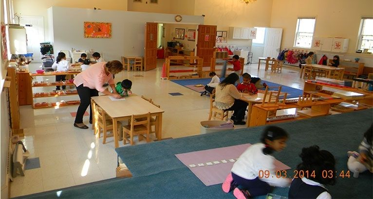 Dulles Montessori School Accepts Children 16 Months Through 6 Years