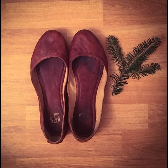 AUTHENTIC FRYE CARSON BALLET FLATS 100% authentic Frye Carson ballet flats. Gently used condition. Still have a lot of life left. Camel brown color. Frye Shoes Flats & Loafers