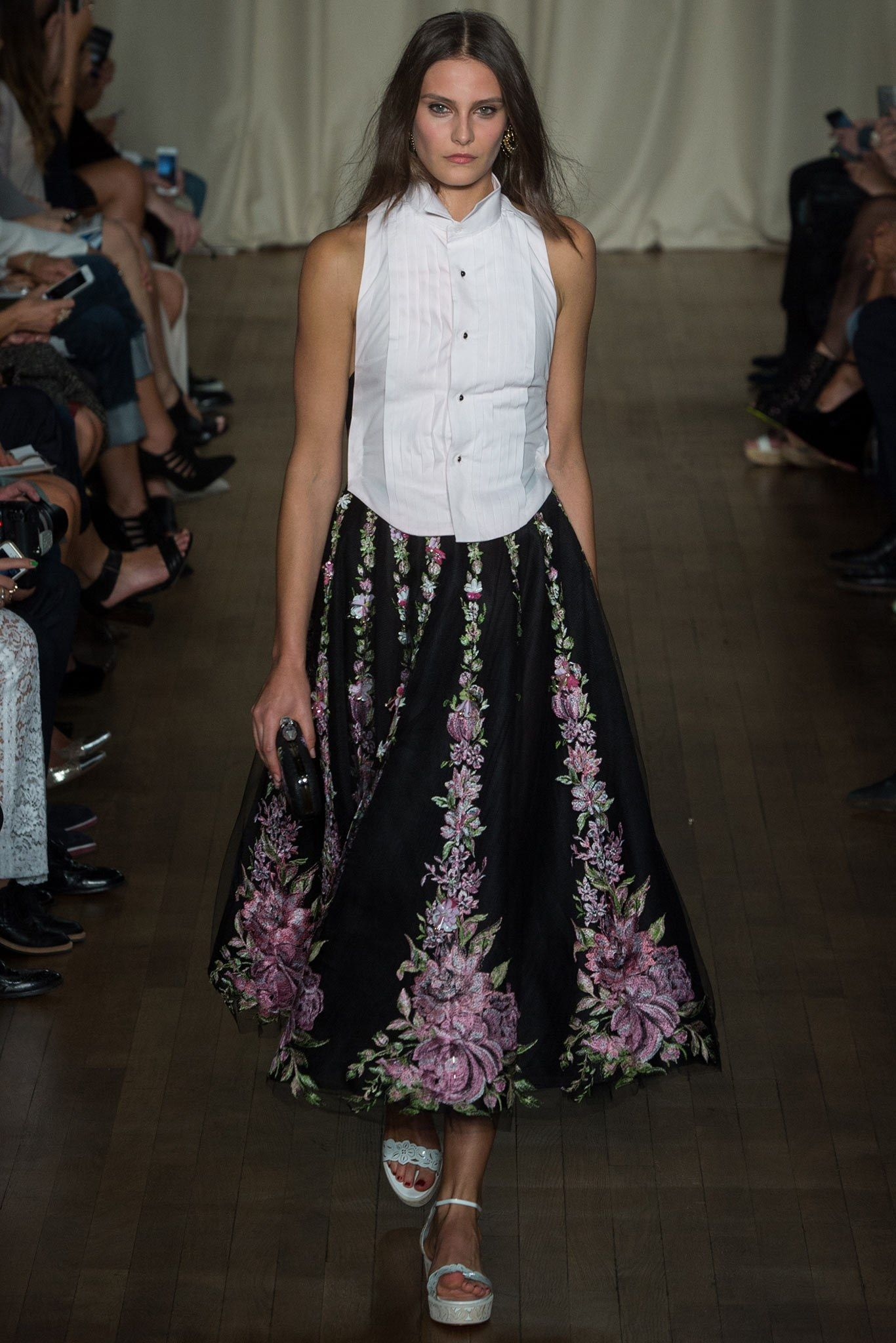 See the complete Marchesa Spring 2015 Ready-to-Wear collection.