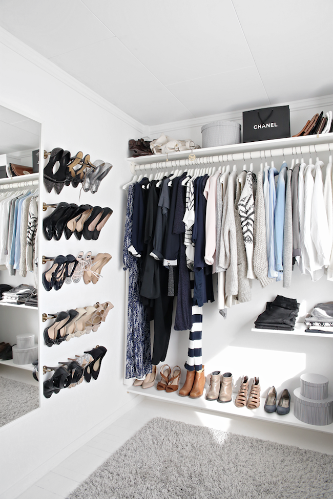 can i just have this closet please?! & Shoes as Art: 10 Clever Shoe Storage Ideas for Small Spaces ...