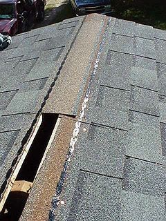 Installing Asphalt Roof Shingles On A Small House Roof Shingles Asphalt Roof Shingles Fibreglass Roof