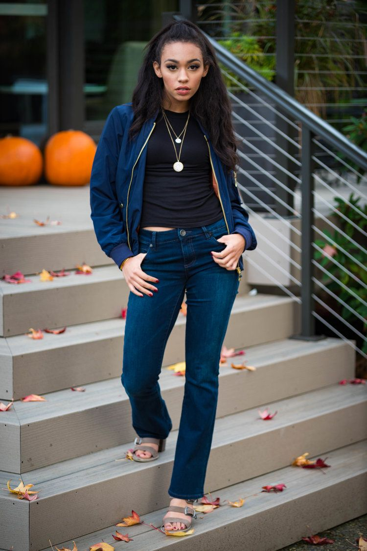 Add a bomber jacket to your staple jeans and tee to create a fashion forward look.
