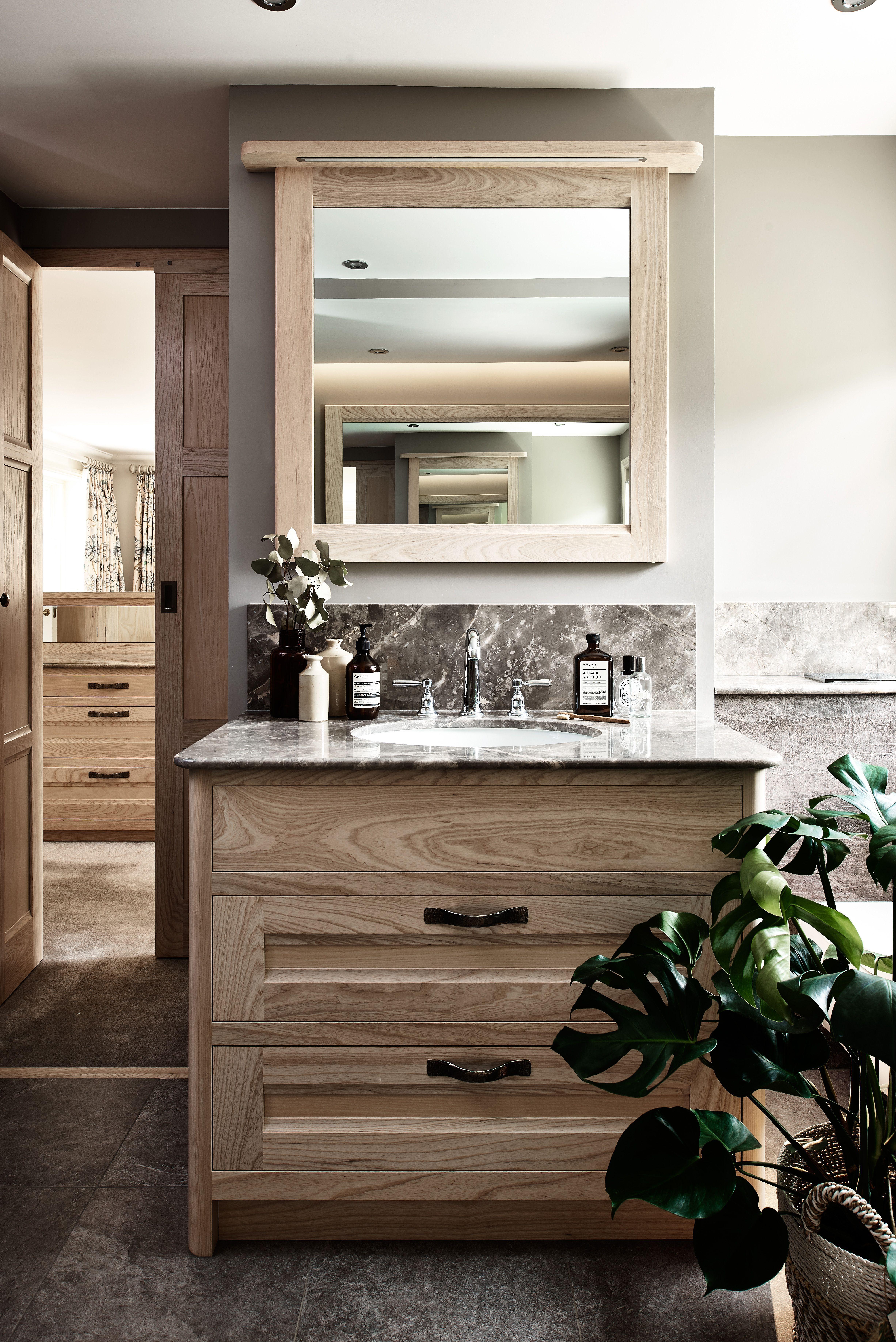 Best Luxury En Suite Bathroom With Figura Bespoke Furniture 640 x 480