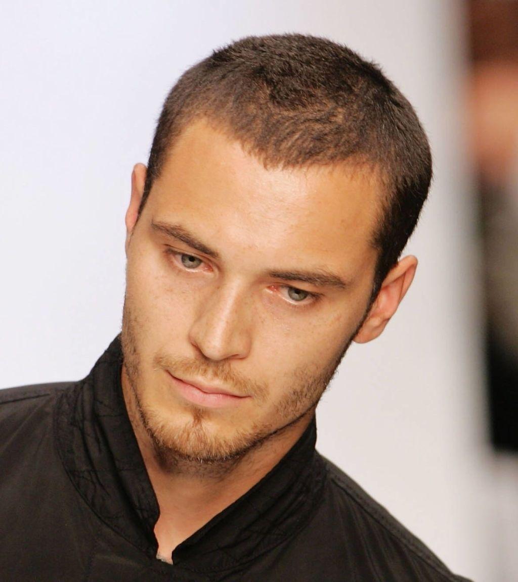 Neueste Frisur Fur Schmales Gesicht Manner Haarschnitt Manner