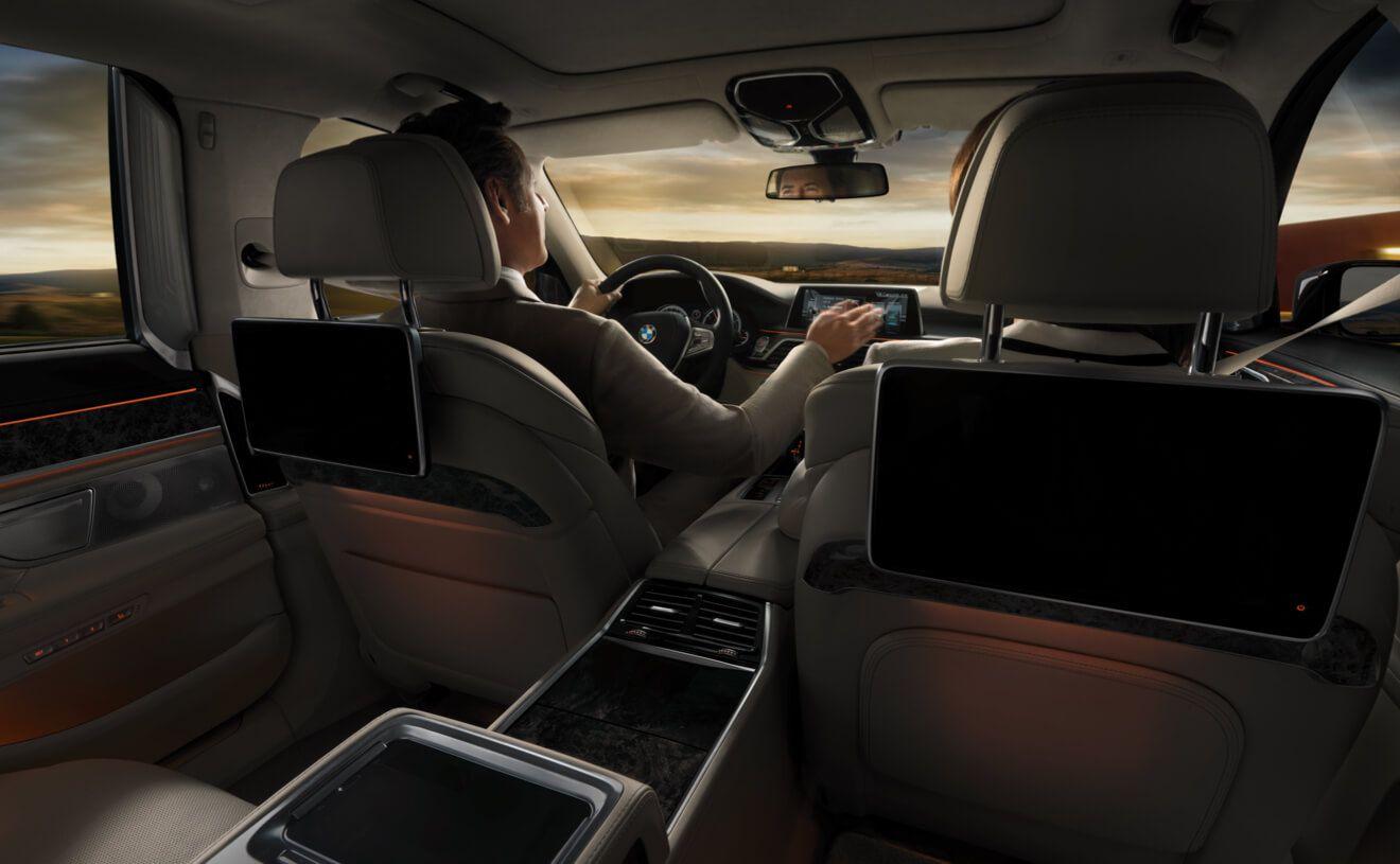 Bmw 7 Series Sedan Ambient Lighting And Innovative Controls Found In The Bmw 750i Xdrive Bmw 7 Series Bmw Sedan