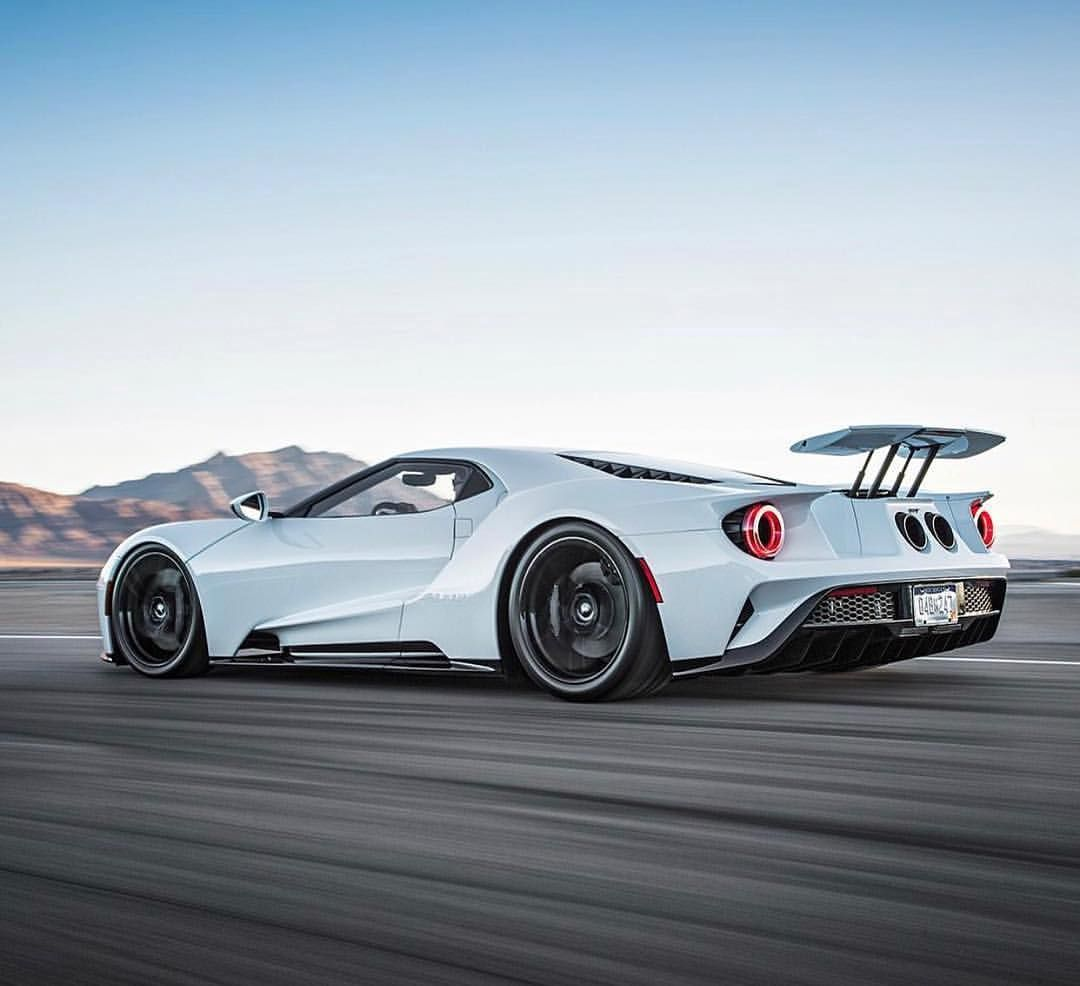 King Ford GT. [ In Track Mode The Car Drops 2.7 Inches