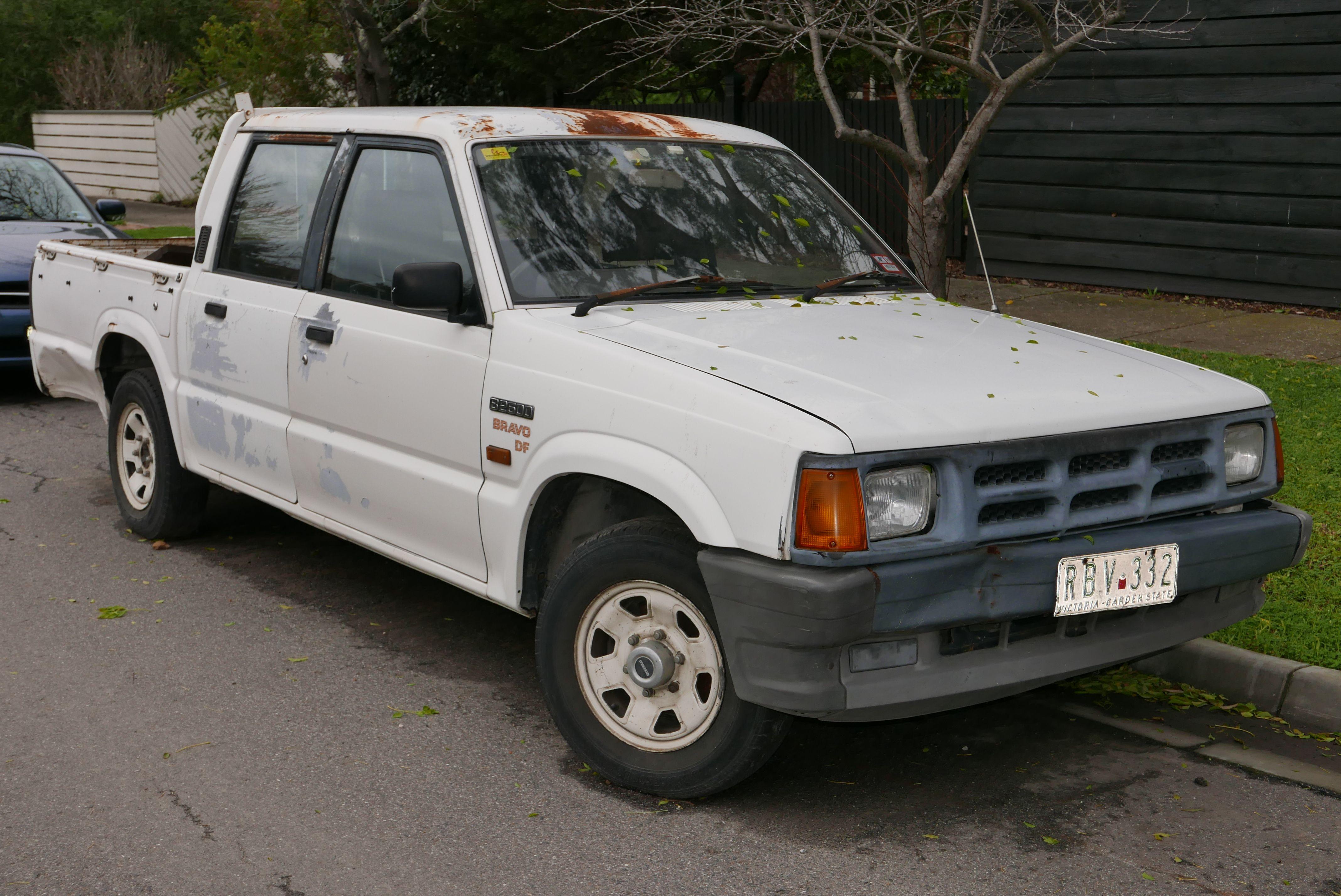 1994 Mazda Bravo B2600 4-door utility