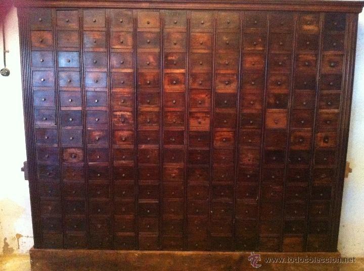 Muebles antiguos en todocoleccion: gran mueble de cajones de oficios ...