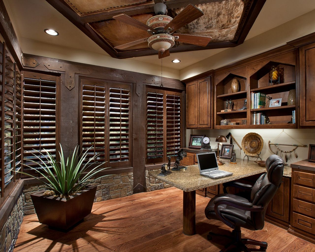 10 Perfect Home Office Design Ideas To Make You Comfortable At Work Rustic Home Offices Home Decor Catalogs Small Office Decor