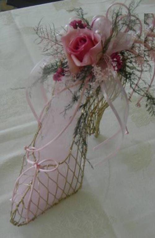 centerpiece with glass slipper of perfect cinderella wedding rh pinterest com
