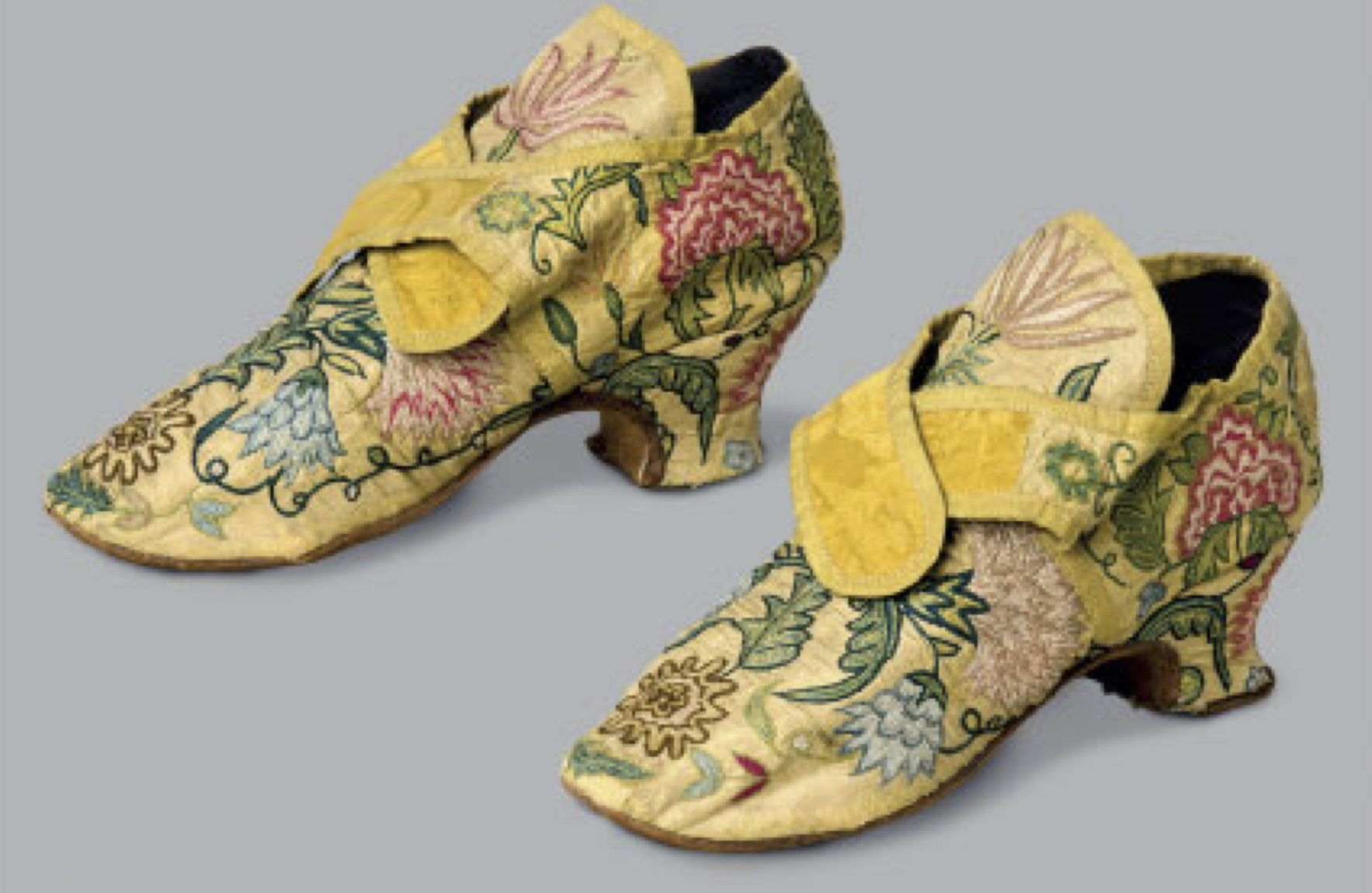 Cora Ginsburg LLC, Women& #39;s Embroidered Silk Shoes, English, c1740–50s    Vintage shoes, Fashion shoes, Velvet slippers