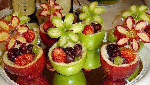 Edible fruit decorations baby shower fruit salad for Baby shower fruit decoration ideas