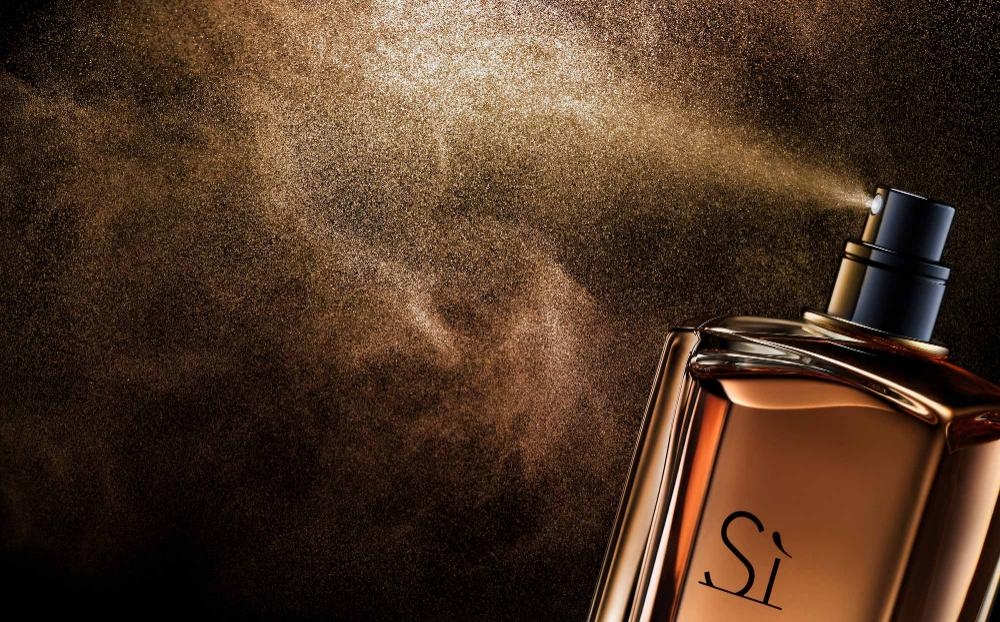 Fragrance Spray Still Life Photography, photographed by Still Life  Photographer Daniel Lindh | Fragrance photography, Still life photography,  Perfume photography
