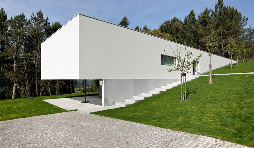 House in ponte de lima by eduardo souto de moura for Casa minimalista lima