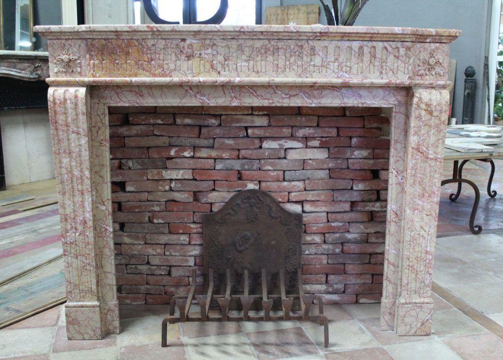 chemin e ancienne marbre ros des pyr n es chemin e ancienne en marbre antique fireplace. Black Bedroom Furniture Sets. Home Design Ideas
