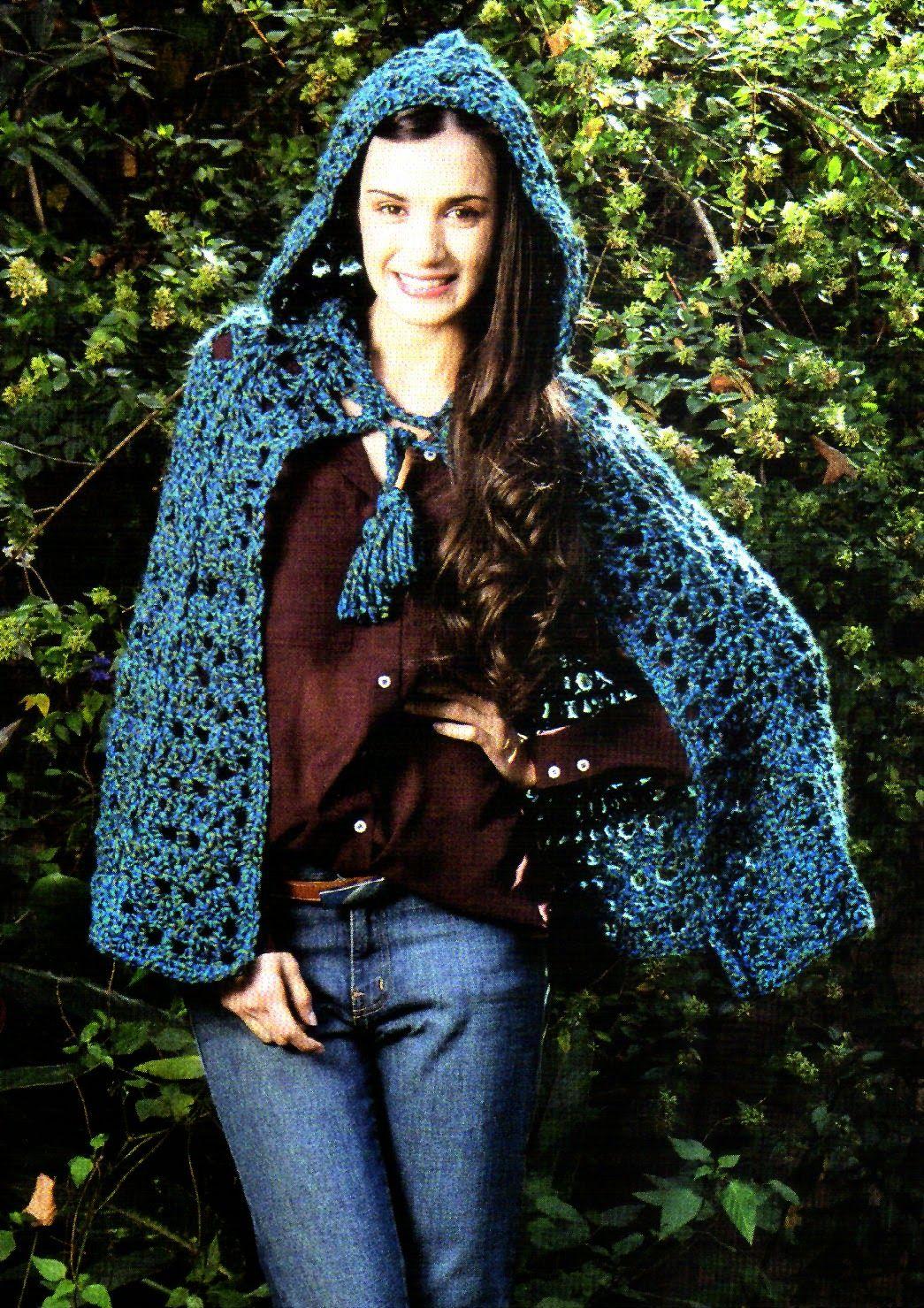 tejidos artesanales en crochet: capa con capucha en tonos azules ...