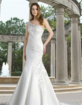One Shoulder Mermaid Wedding Dress with White Color