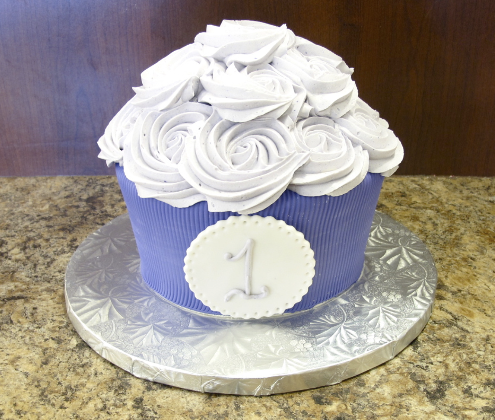 Cupcake shaped cake for a boy | Creative cakes, Childrens ...