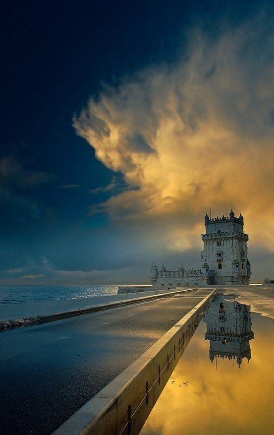 Breezing by: Torre de Belém, Lisboa - Portugal