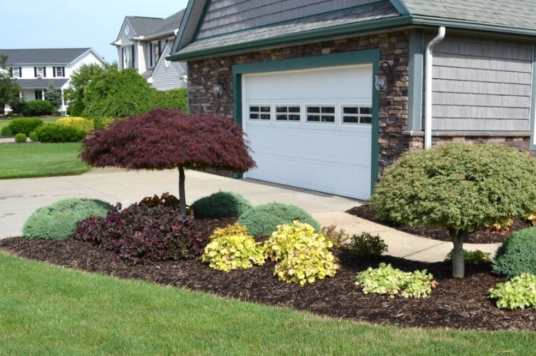 Front Yard Landscaping Ideas On A Budget Some Ideas To Consider Goodworksfurniture Front Yard Landscaping Design Yard Landscaping Inexpensive Landscaping