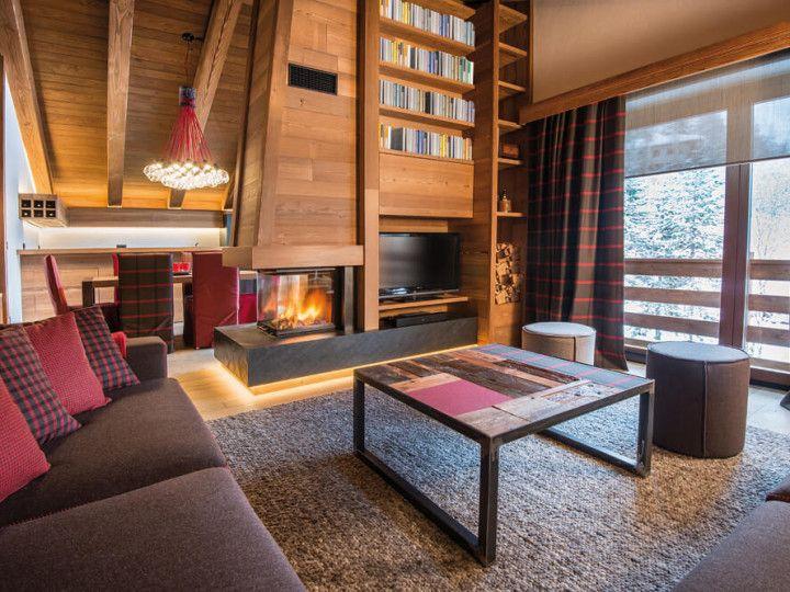 Soggiorno con libreria | Case di montagna | Pinterest | Villas and ...