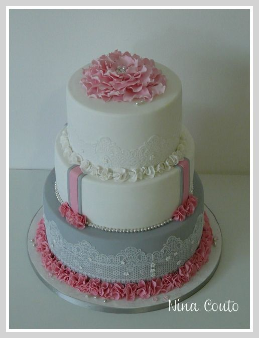 gateau mariage nimes blanc rose gris 3   passisseries + desserts