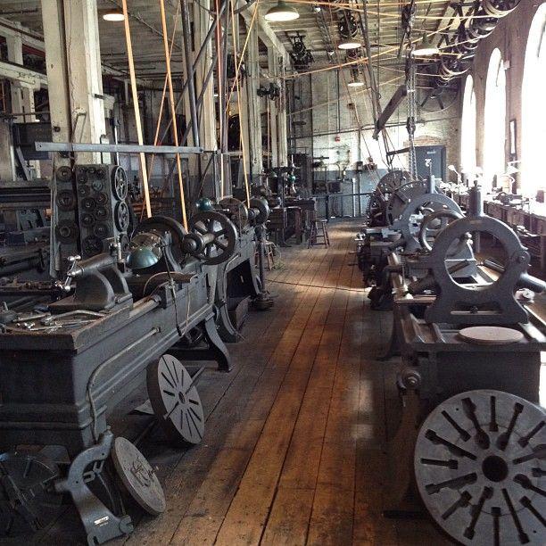 Machine Shop like it used to be | Stuff | Machinist tools ...  Machine Shop li...