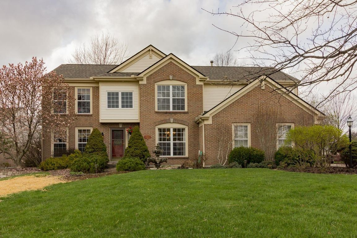 1582 hunt club drive miami township oh 45150 for sale re max rh pinterest com au Homes for Auction House for Slae