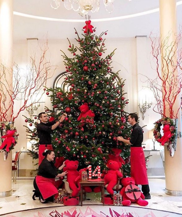Christmas Trees Dorchester: Best Christmas Decorations At The Most Luxurious Hotels Of