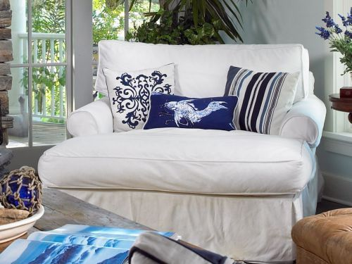 Nantucket Slipcovered Chaise with Classic Rolled Arm