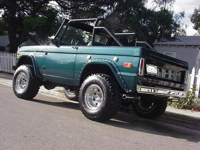 Ford Bronco Top Roof Off Ford Bronco Ford Classic Cars Old