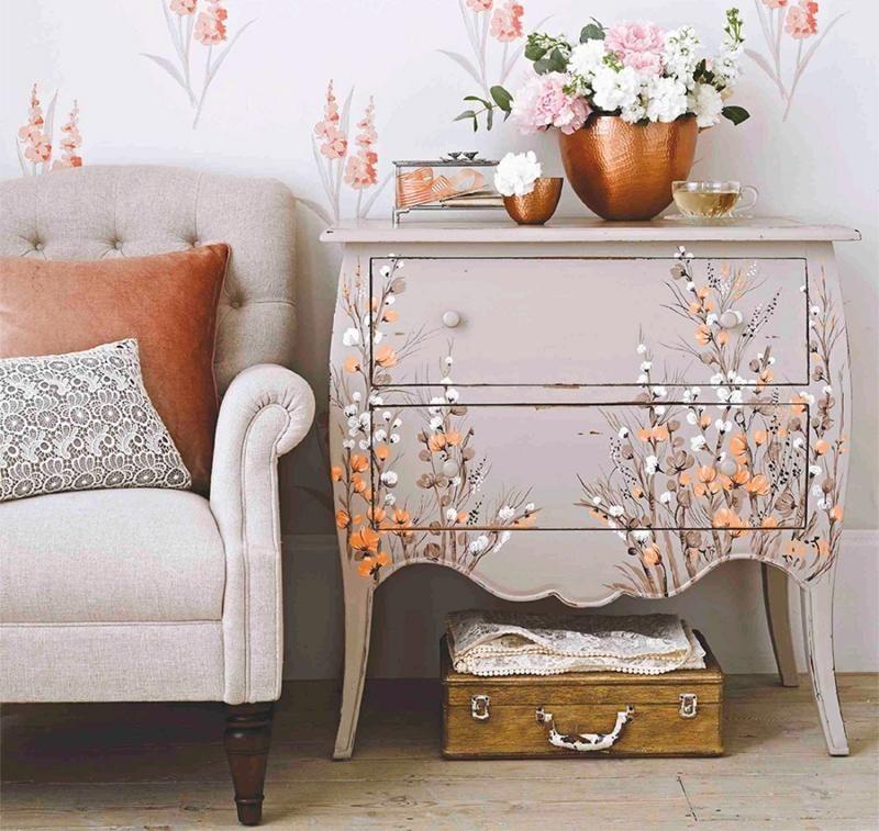 kommode shabby chic aufpeppen mit blumenmotiven shabby pinterest kommode kommode shabby. Black Bedroom Furniture Sets. Home Design Ideas