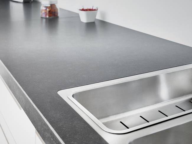Granit Arbeitsplatte aus Nero Assoluto Zimbabwe mit satinierter - granit arbeitsplatte küche