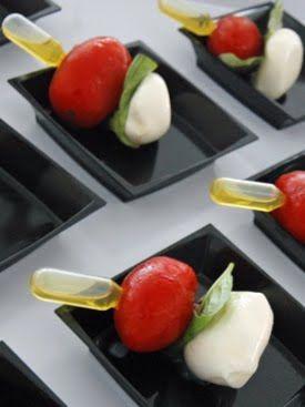 Ensalada caprese con pipeta de aceite de oliva caprese for Pipette cuisine