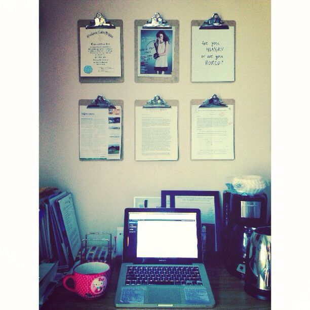 College Dorm Desk Organization