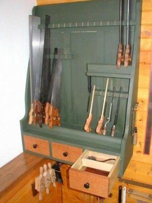 Handsaw storage