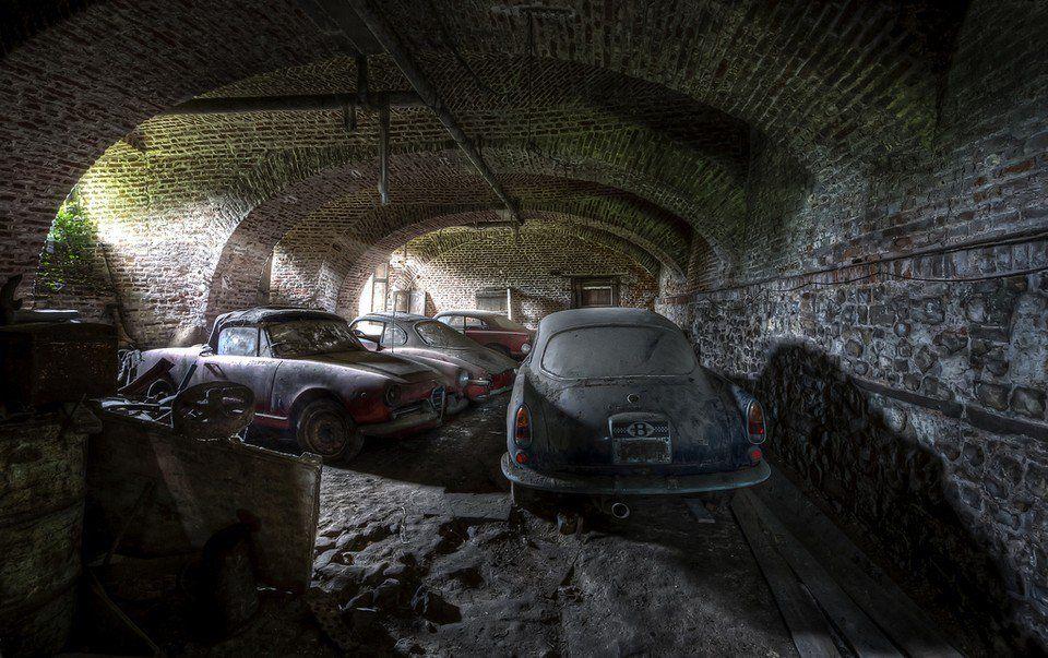cool abandonedauto17 Check more at http://weirdhood.com/art/forgotten-treasures-garages/