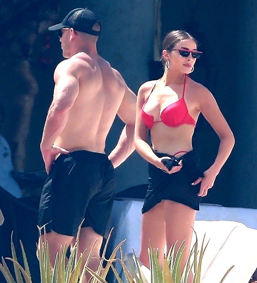 Olivia Culpo Sparks Romance Rumors With Nfl Pro Christian Mccaffrey On Mexico Getaway Christian Mccaffrey Olivia Culpo Olivia Culpo Style