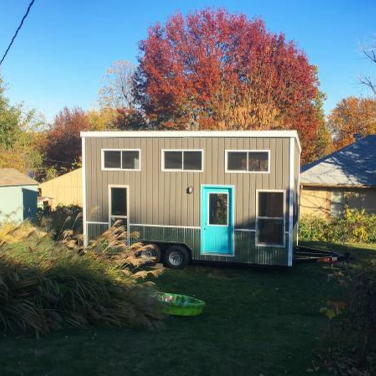 Tiny House on Wheels (AS SEEN ON HGTV PRICE REDUCED