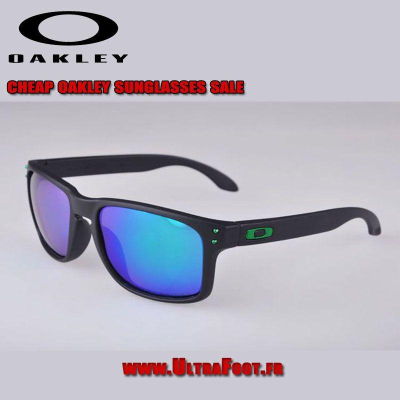 Oakley Holbrook Lunettes de soleil Noir Frame Bleu Iridium OO Green ...  oakley bleu 688643519e43