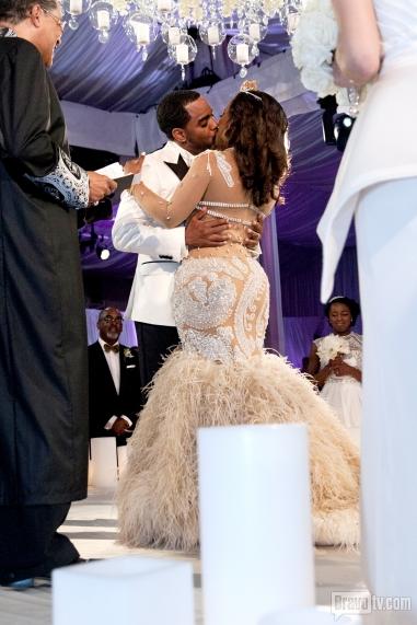 Kandi Burruss S Wedding Wedding Suits For Bride Kandi And Todd Kandi Burruss