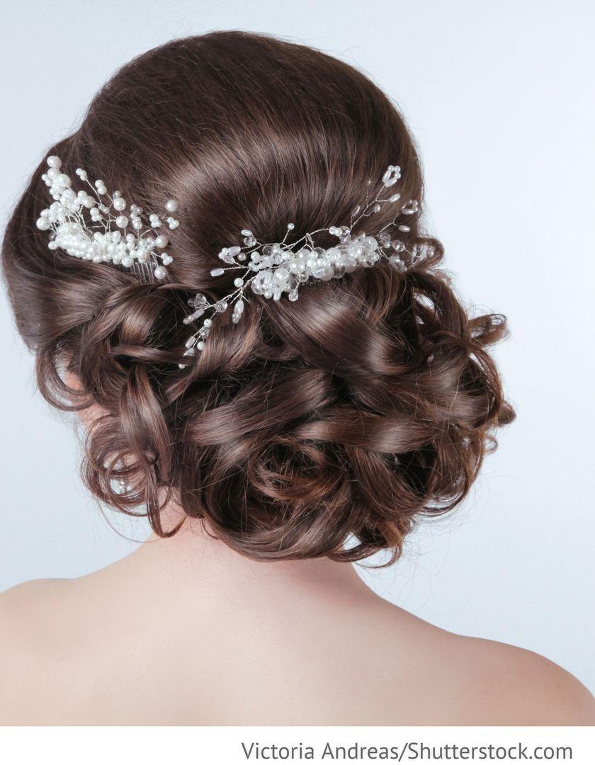 Hochsteckfrisur Brautfrisur Mit Perlen Fur Hochzeit Brautmode Fur