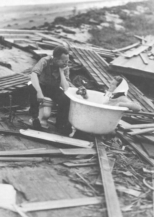 1938 On September 21st, 1938, it came without warning. As the story goes, Katharine Hepburn was out playing golf in Fenwick as the monster storm was approaching. Hepburn and many other rode out the storm in Fenwick. She stated in her 1991 book that 95% of her personal belongings were either lost or destroyed, including her 1932 Oscar which was later found intact.
