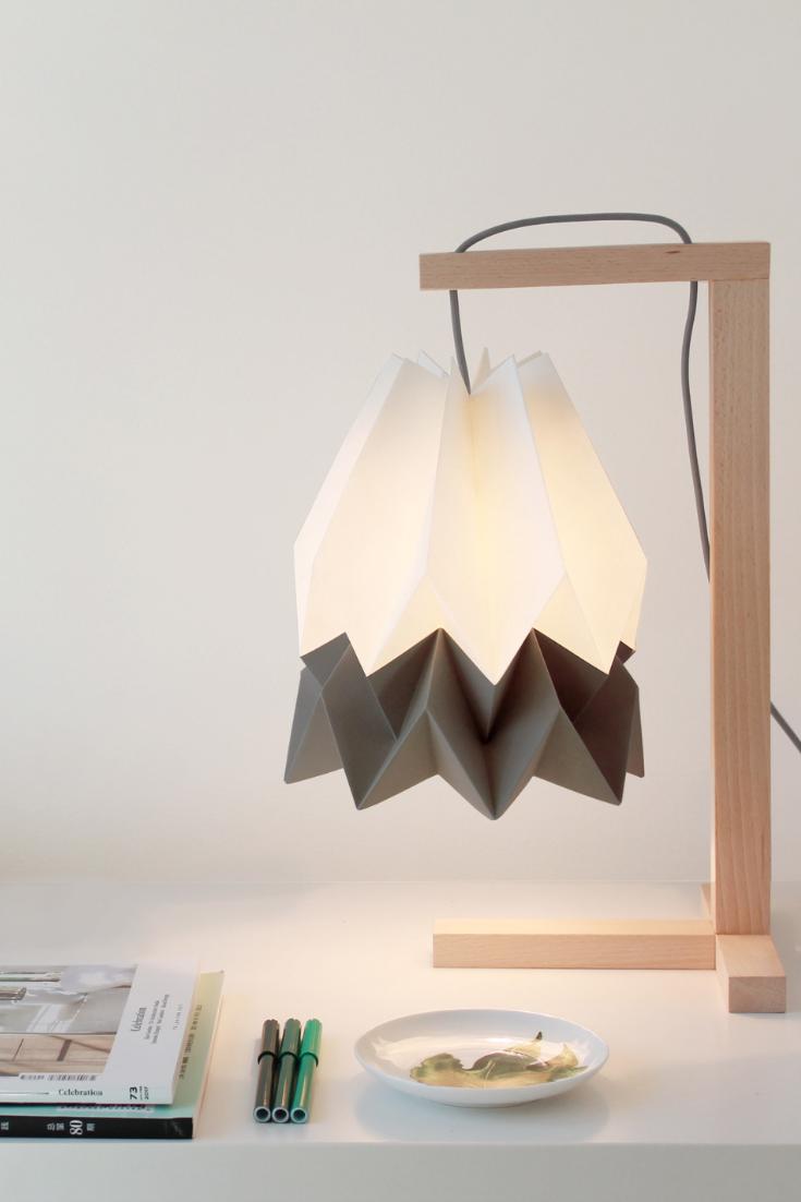 Tischleuchte Kine Mit Bildern Weisse Tischlampe Lampentisch