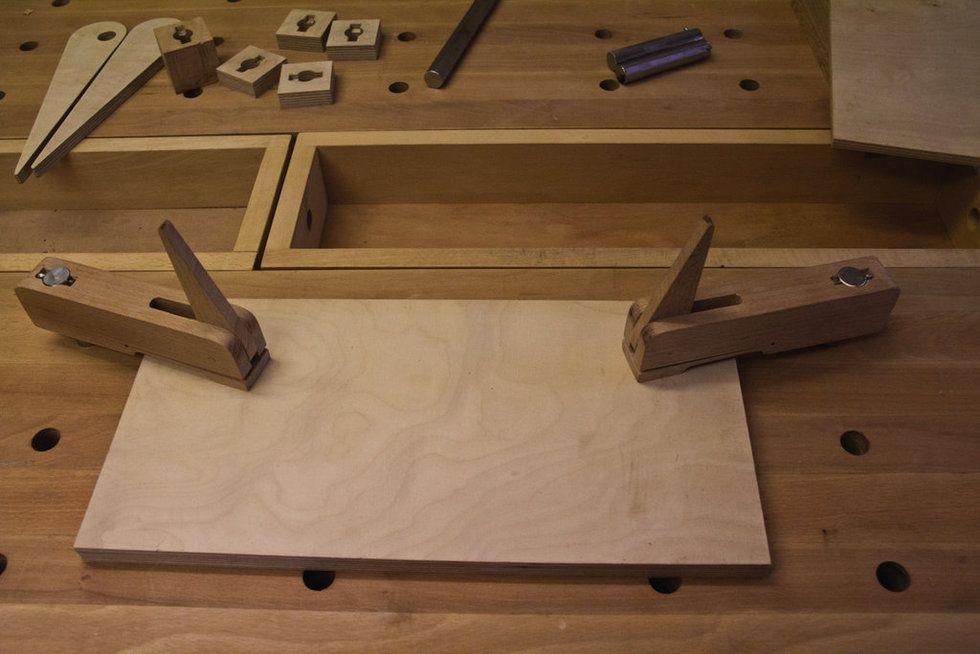 universelle bankhaken diy und selbermachen holz holzbearbeitung und werkstatt. Black Bedroom Furniture Sets. Home Design Ideas