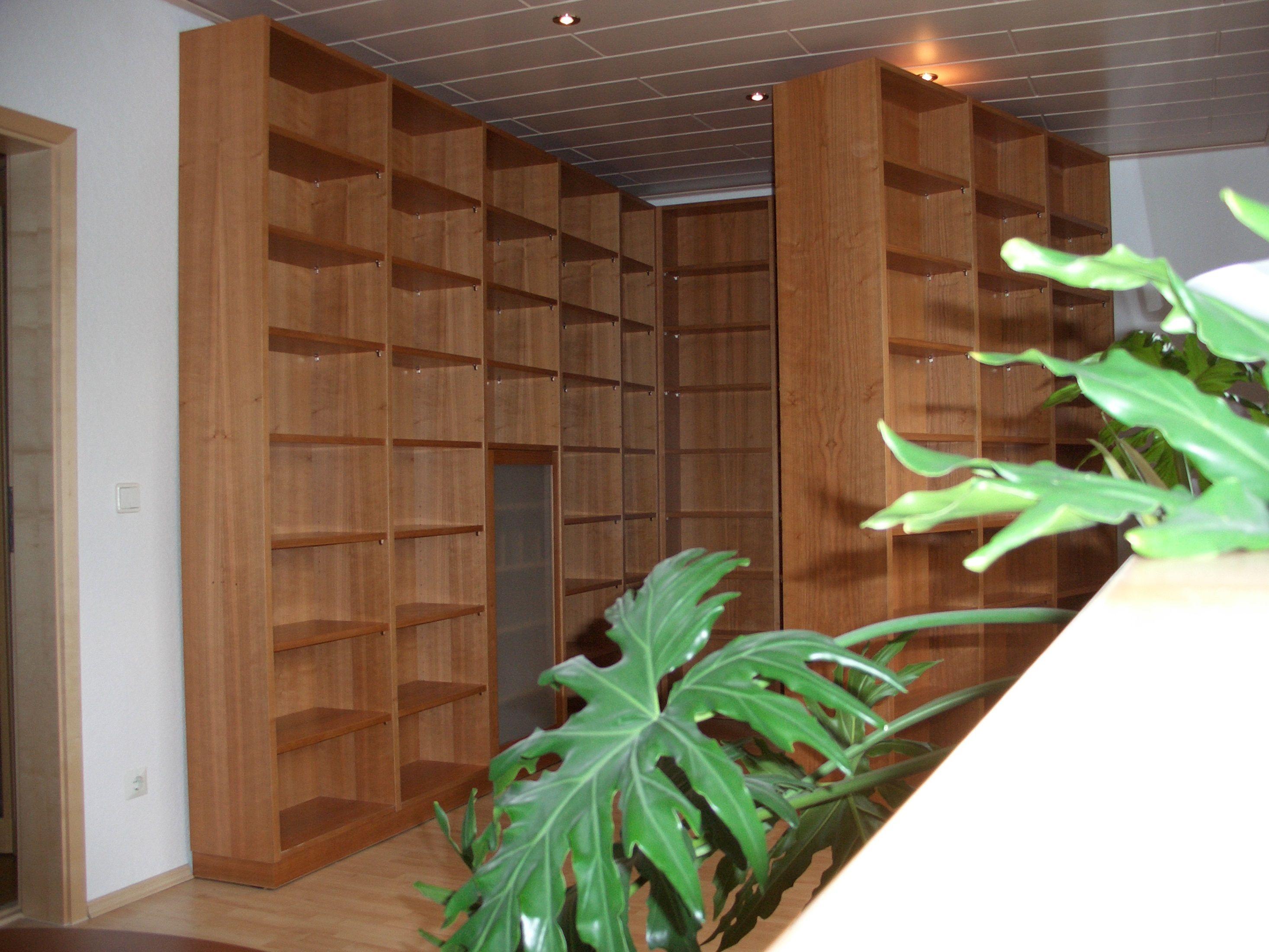 Gaaaanz viel Stauraum: Ausklappbares Bücherregal | Projekte ...