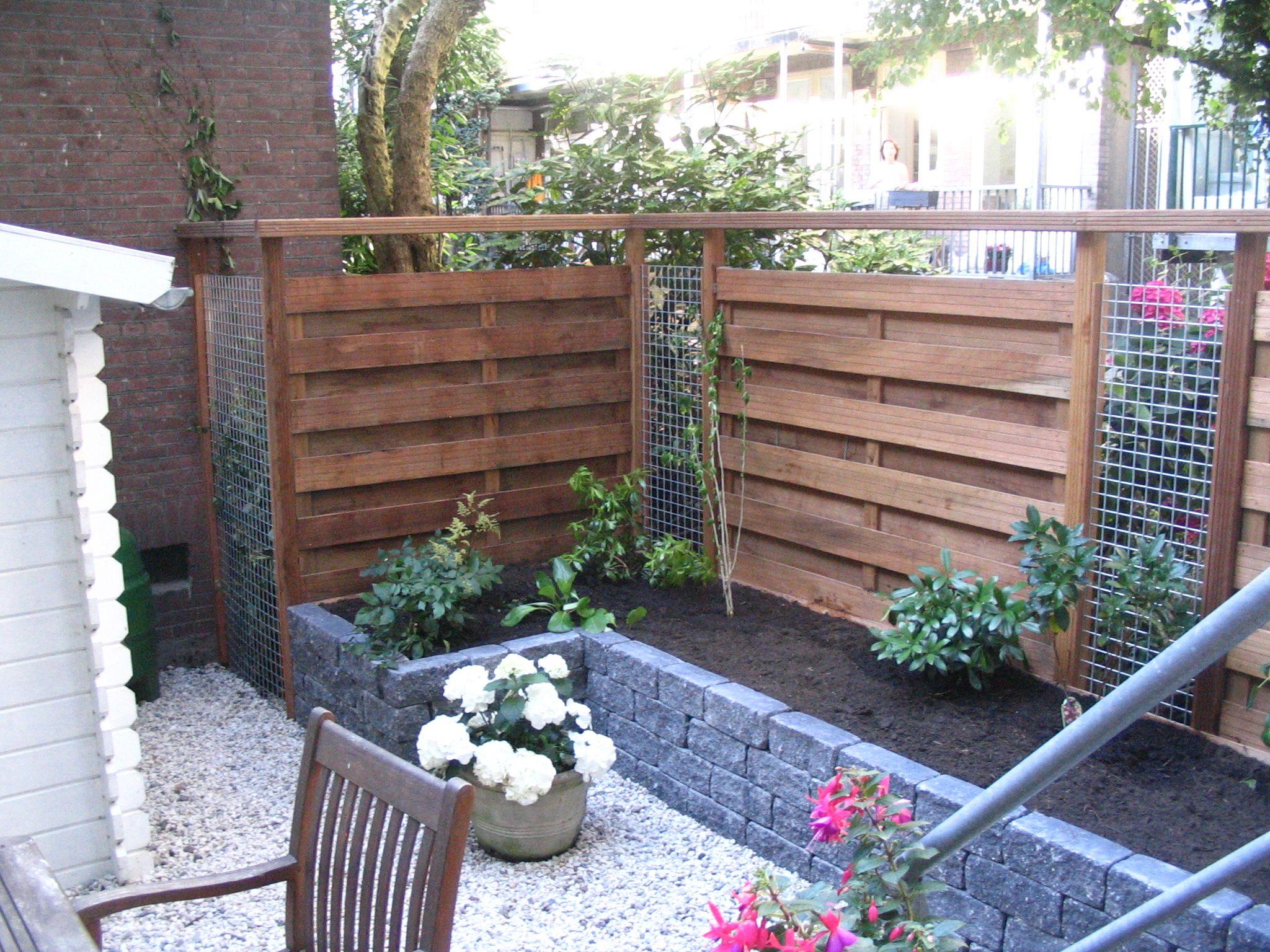 Small Garden Fencing: Schutting Met Gaasopening