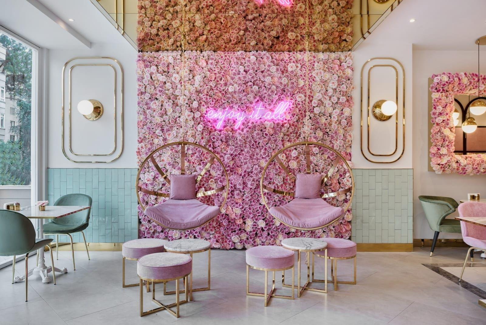 Emilia Cafe Istanbul Salon Suites Decor Salon Interior Design Cafe Interior Design